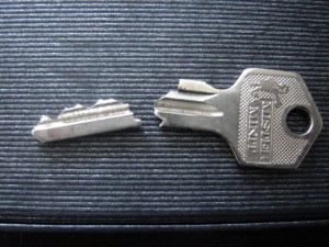broken key locksmith in manchester